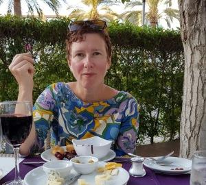 Inte visste jag att suga på en körsbärskärna var ett sådant beauty-trick, det skall jag alltid göra på fest hädanefter!